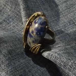 Vintage gold leaf ring with blue sparkle stone